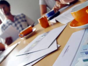 team-meeting-1458975-640x480